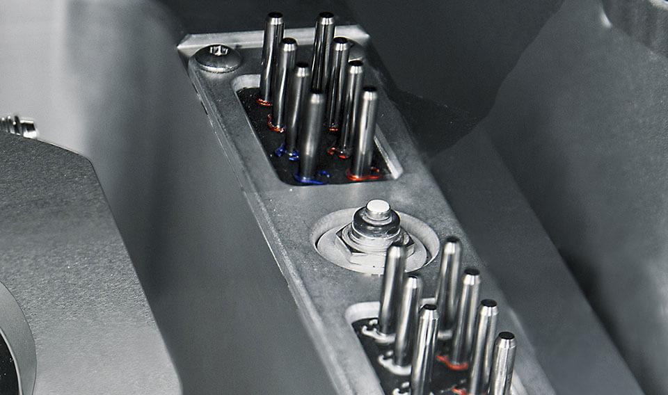 Masina de frezare in 5 axe CAD CAM pentru laborator dentar VHF K5+